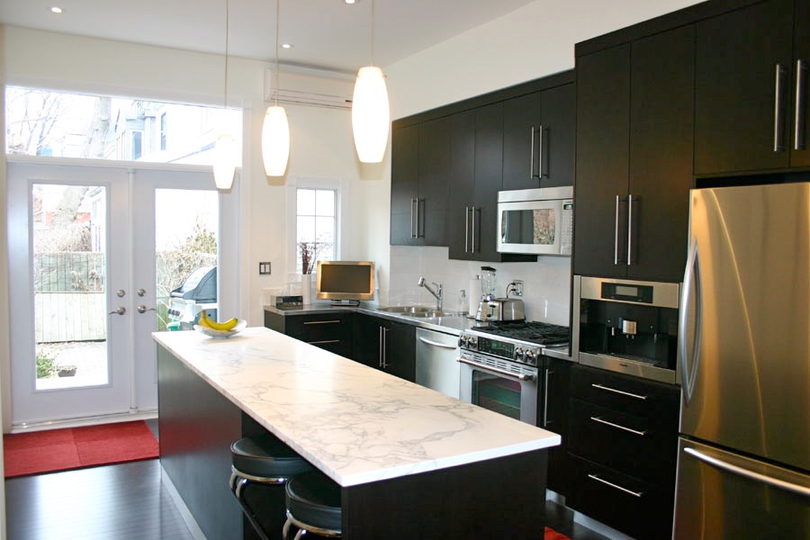 Cabbagetown Modern Kitchen - Featured Image