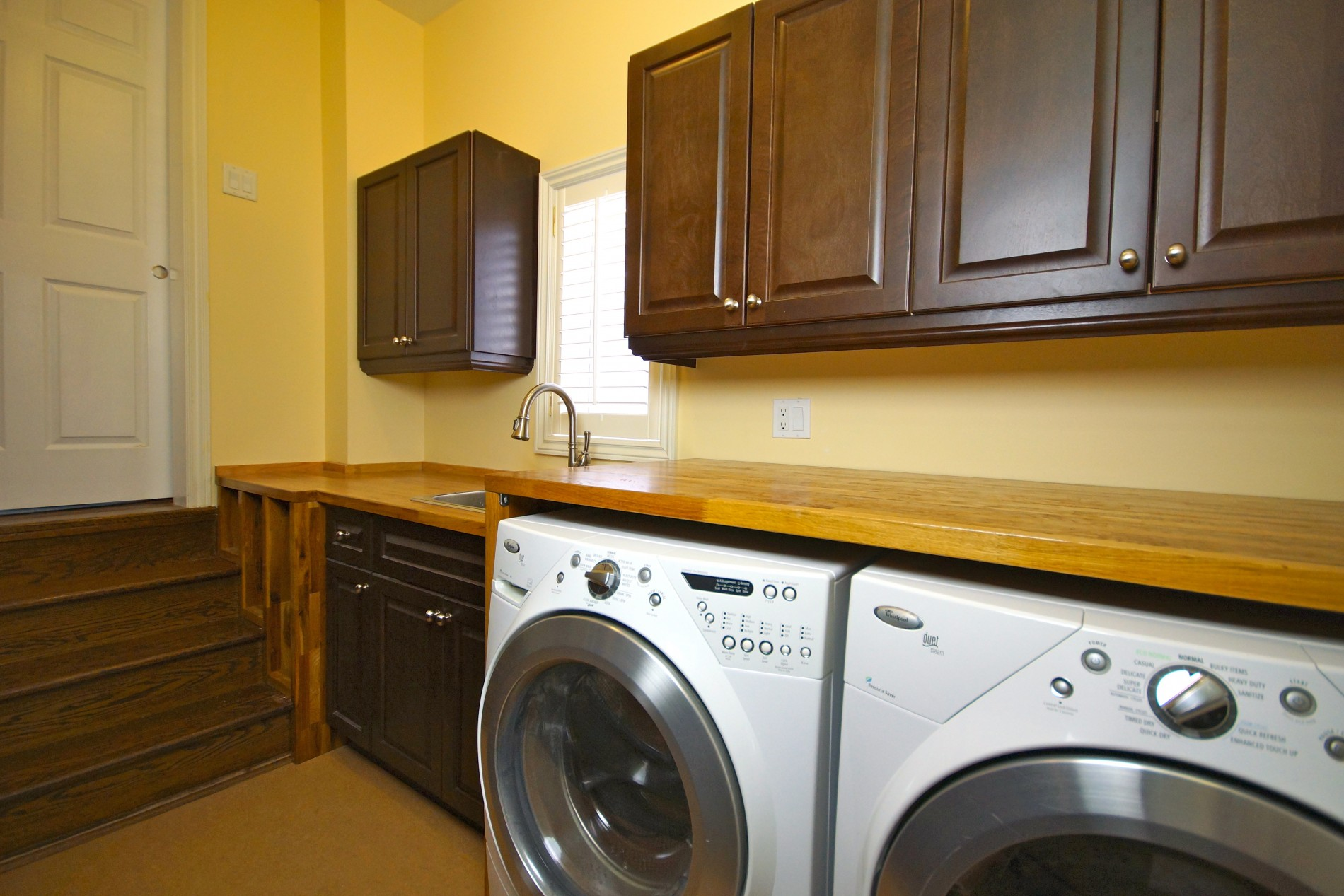 Richmond Hill Laundry Room - Featured Image