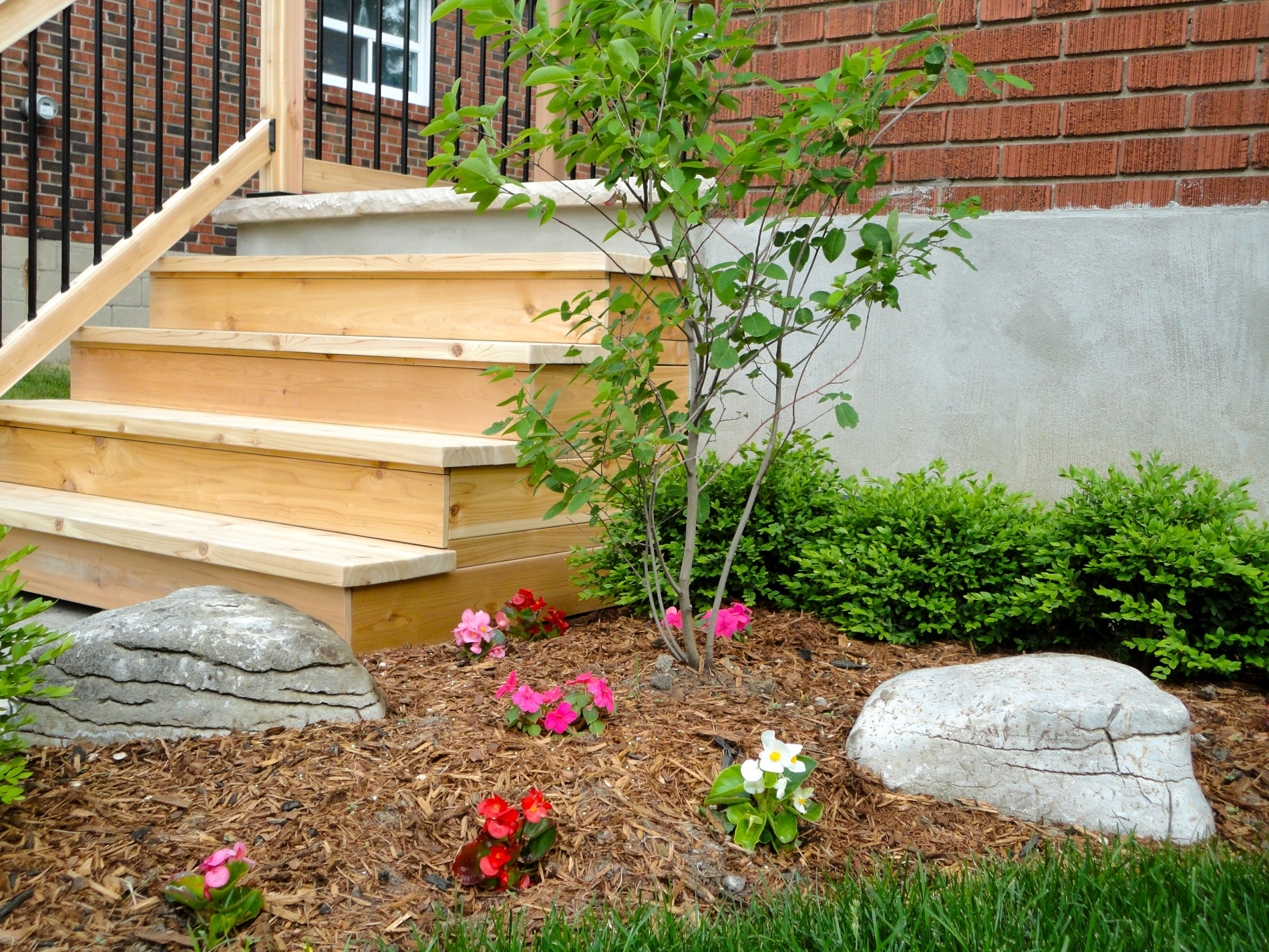 Amsterdam Ave. – East York Toronto Front Entrance & Landscaping - Featured Image