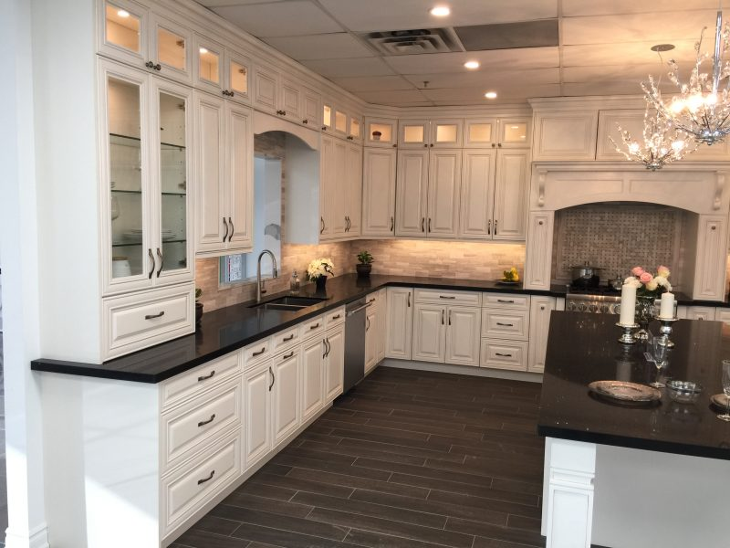 Along with its cabinetry line, Concore has 8 quartz cabinetry choices as seen below. All cabinet boxes are PLYWOOD and not the typical plywood.