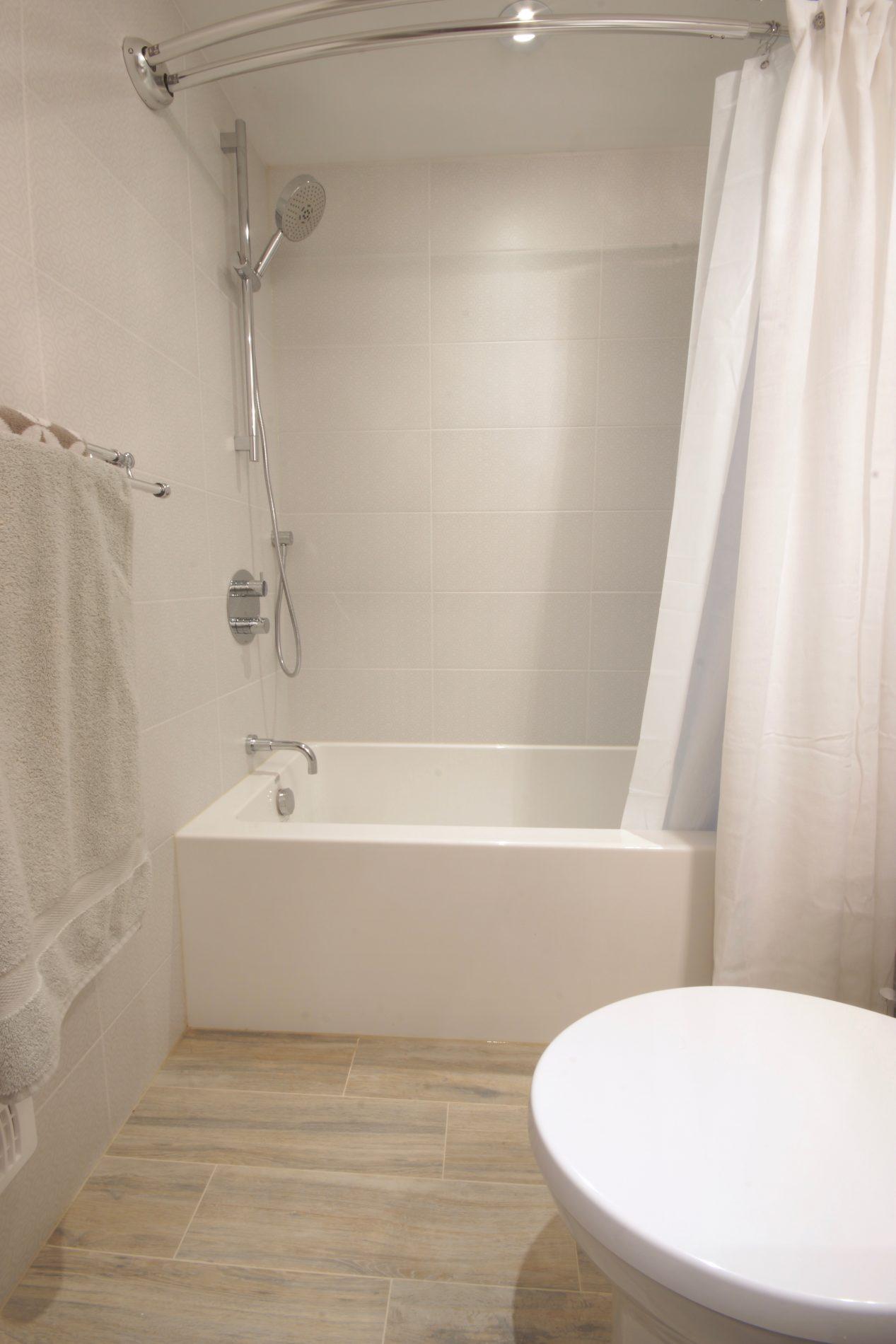 Princess Gardens Toronto Bathroom Renovation – Ashton Renovations