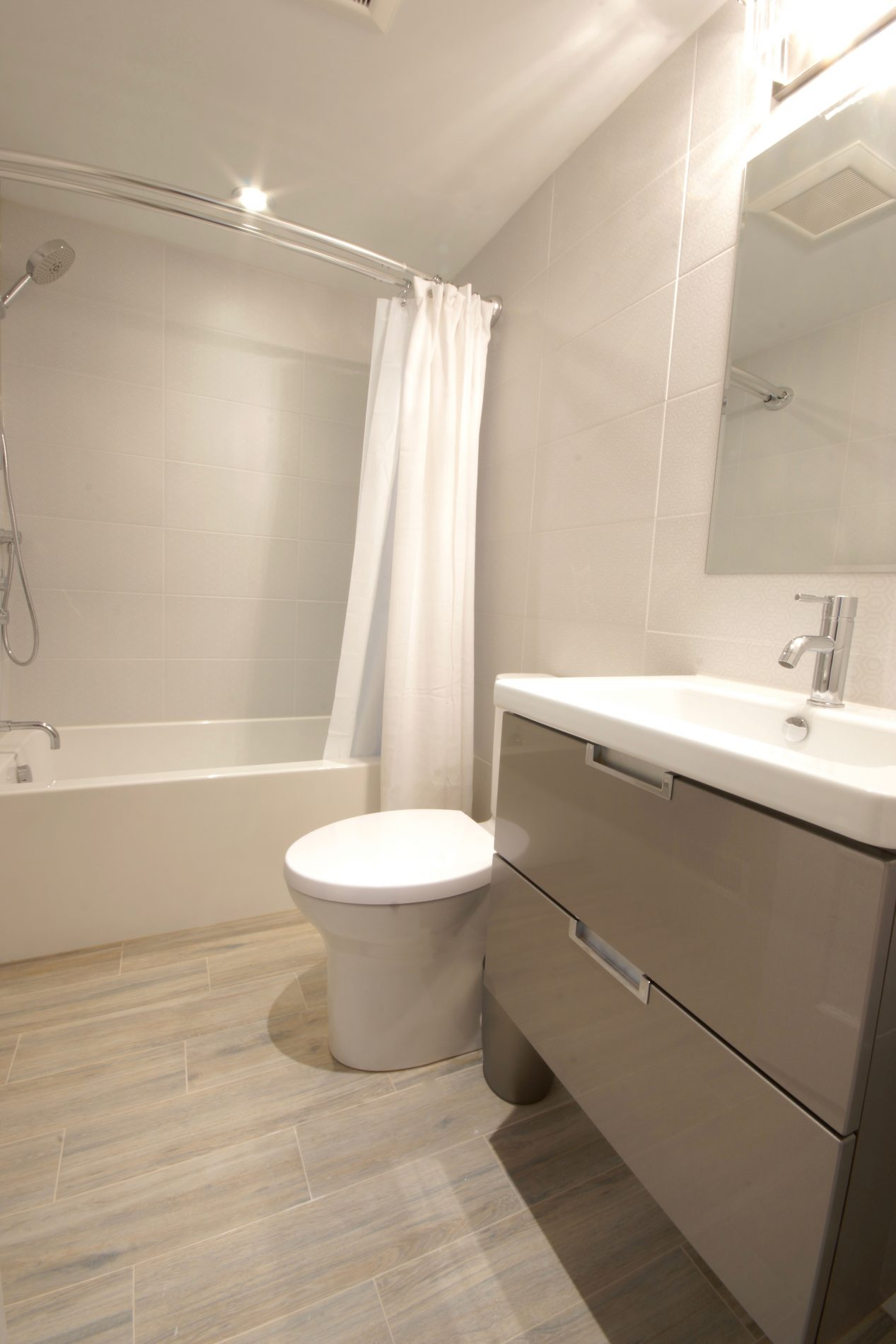 North Heights Rd. – Princess Gardens Toronto Bath Renovation - Featured Image