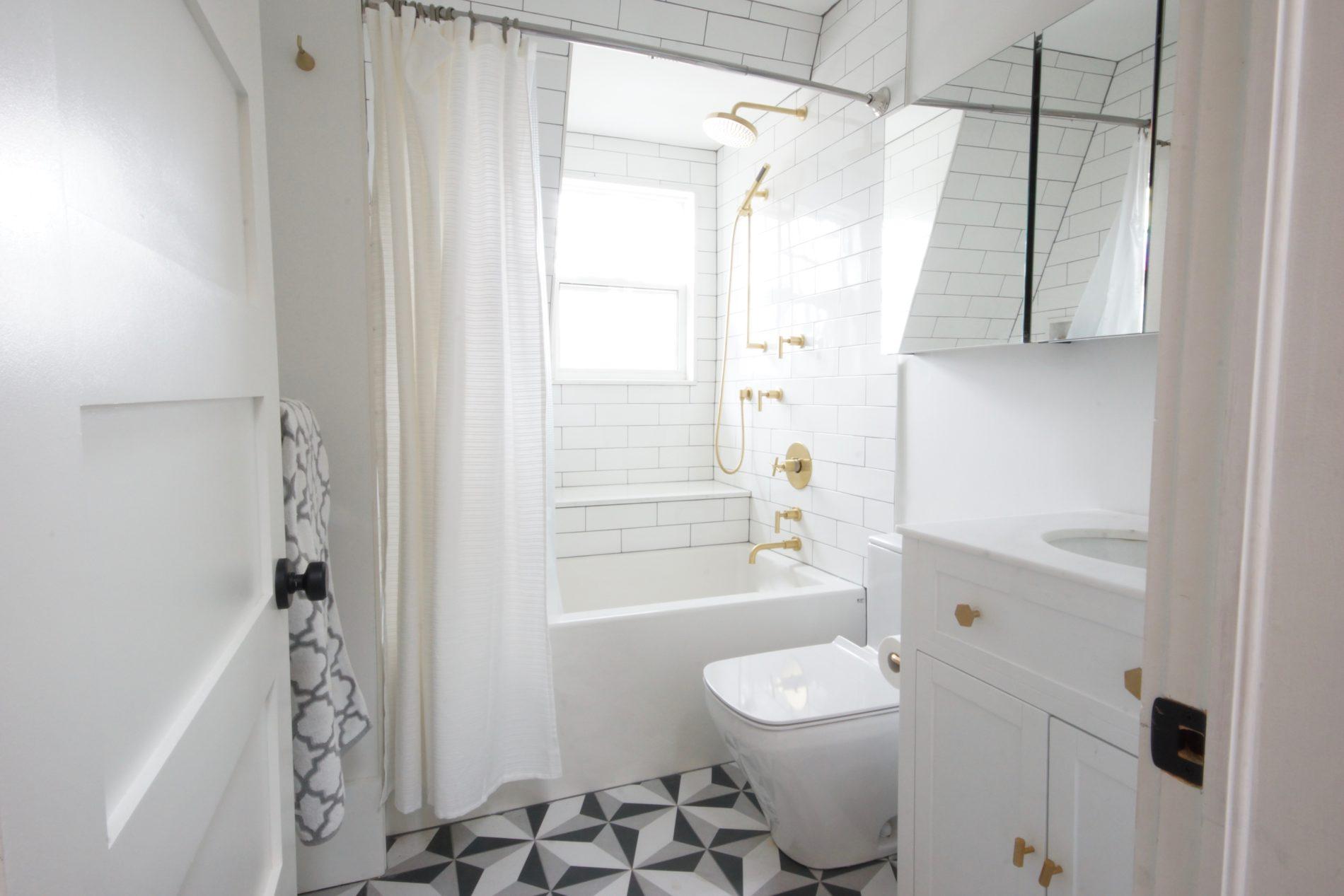 Brock Ave. – Little Portugal Toronto Main Bathroom - Featured Image