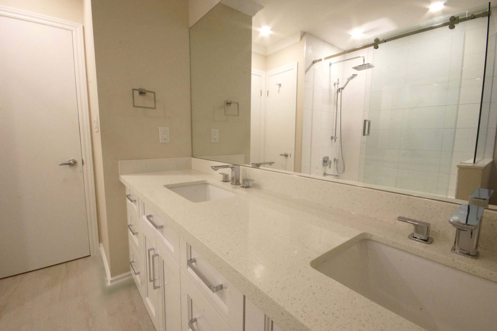 Hounslow Ave. – Willowdale Toronto Main Bath - Featured Image