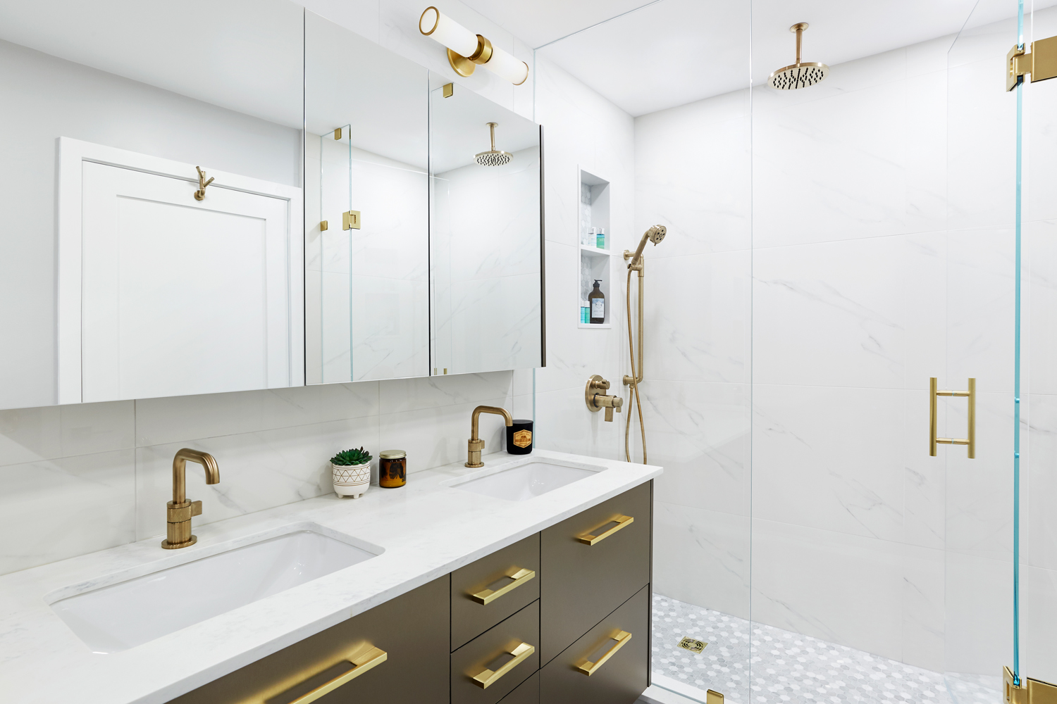 Downtown Toronto Ensuite Bathroom - Featured Image