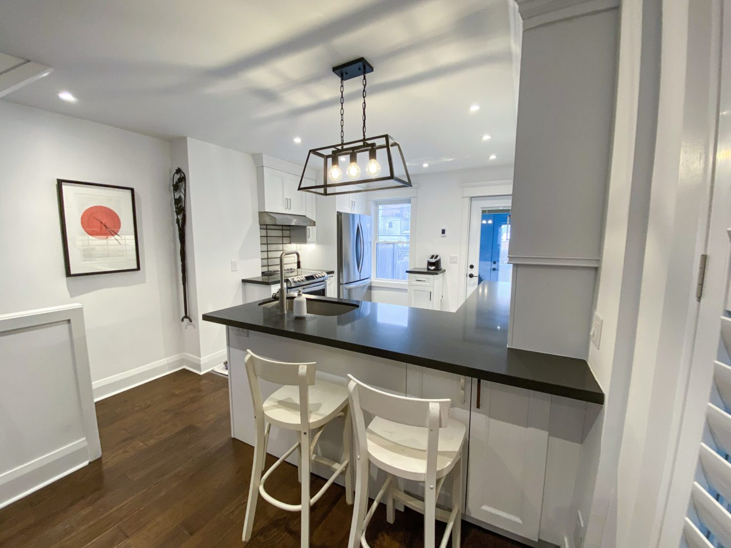 Hazelwood Ave. – Toronto Danforth Contemporary Kitchen - Featured Image