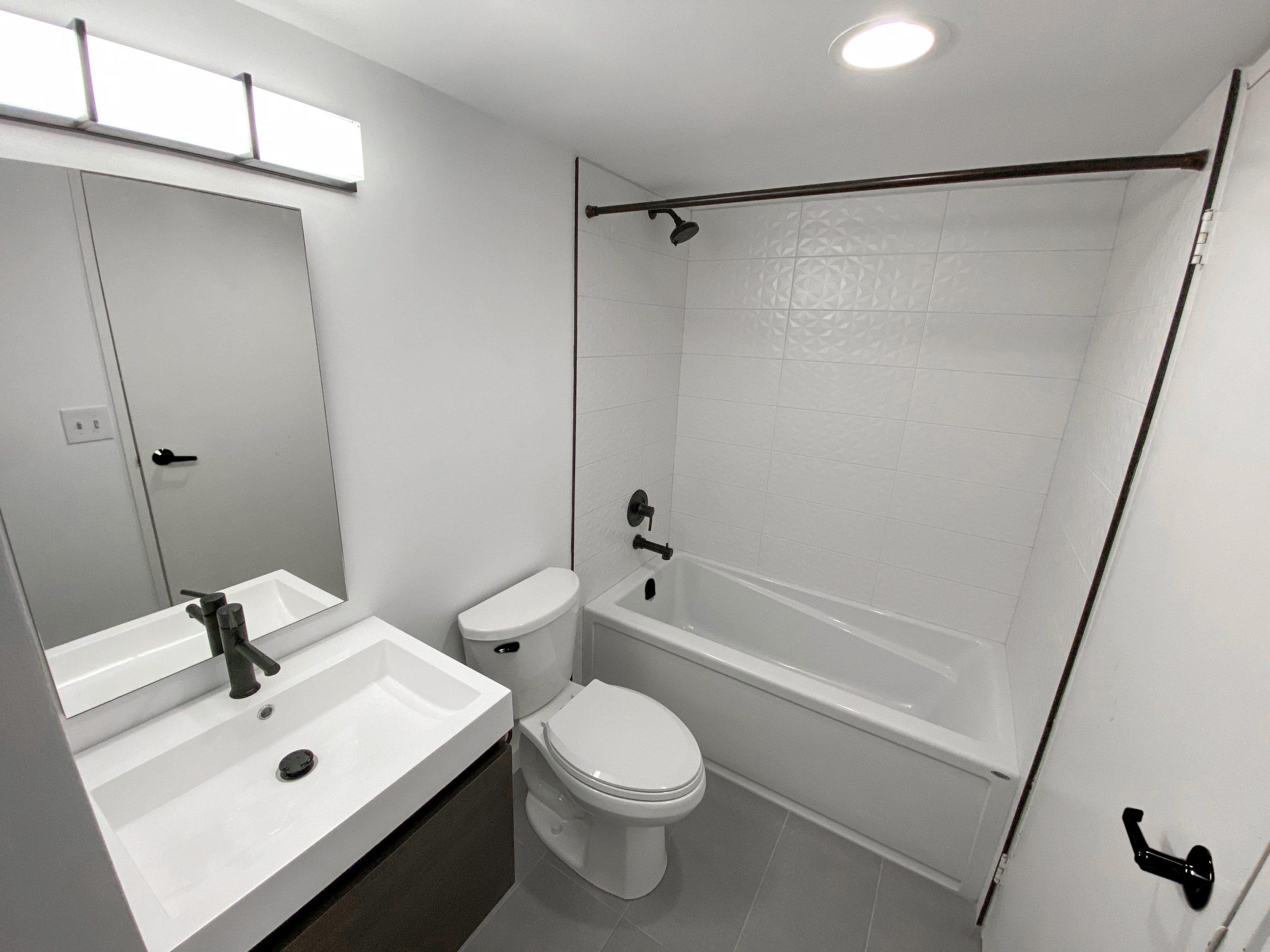 Richmond St. W. – Main Condo Bathroom - Featured Image